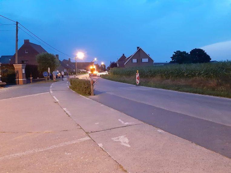 Op verschillende plaatsen in Kortemark kwam het wegdek naar boven door de hitte