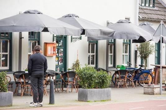 Lege terrasjes in Eindhoven sinds de horeca verplicht gesloten blijft als gevolg van het coronavirus.