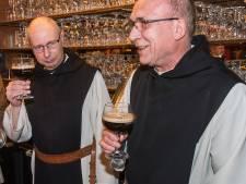 Zundert 10 Trappist vloeit uit (thuis)tap