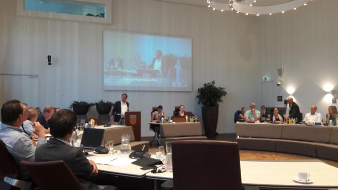 De laatste vergadering voor het zomerreces van de gemeenteraad van Loon op Zand.