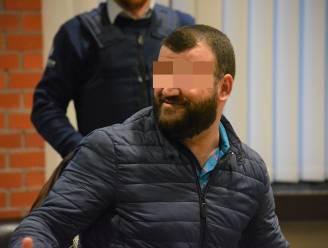 """Luitenant van mensensmokkelaar """"De Baard"""" krijgt in beroep 12 jaar cel"""