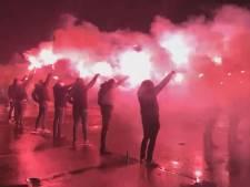 Vak-P bestaat 30 jaar: supporters vieren jubileum met vuurwerkshow bij Grolsch Veste