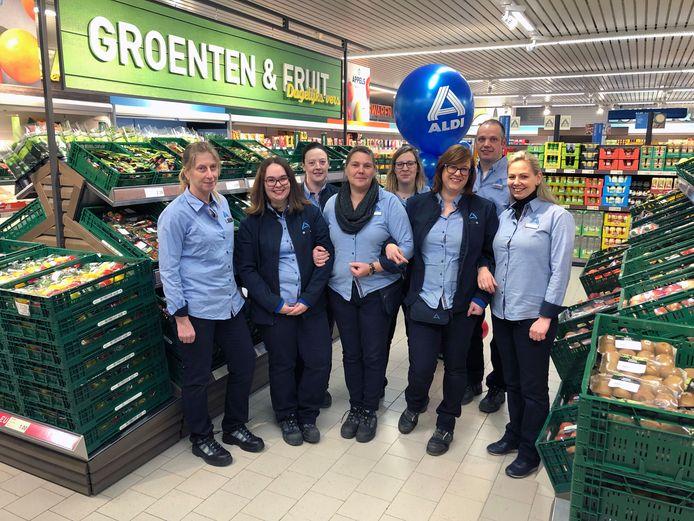 Het team van Aldi Lubbeek verwelkomt de klanten in volledig vernieuwde winkel.