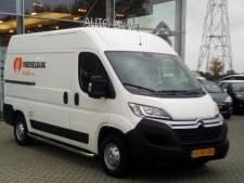 Haringveiling levert Voedselbank Zwolle nieuwe bus op