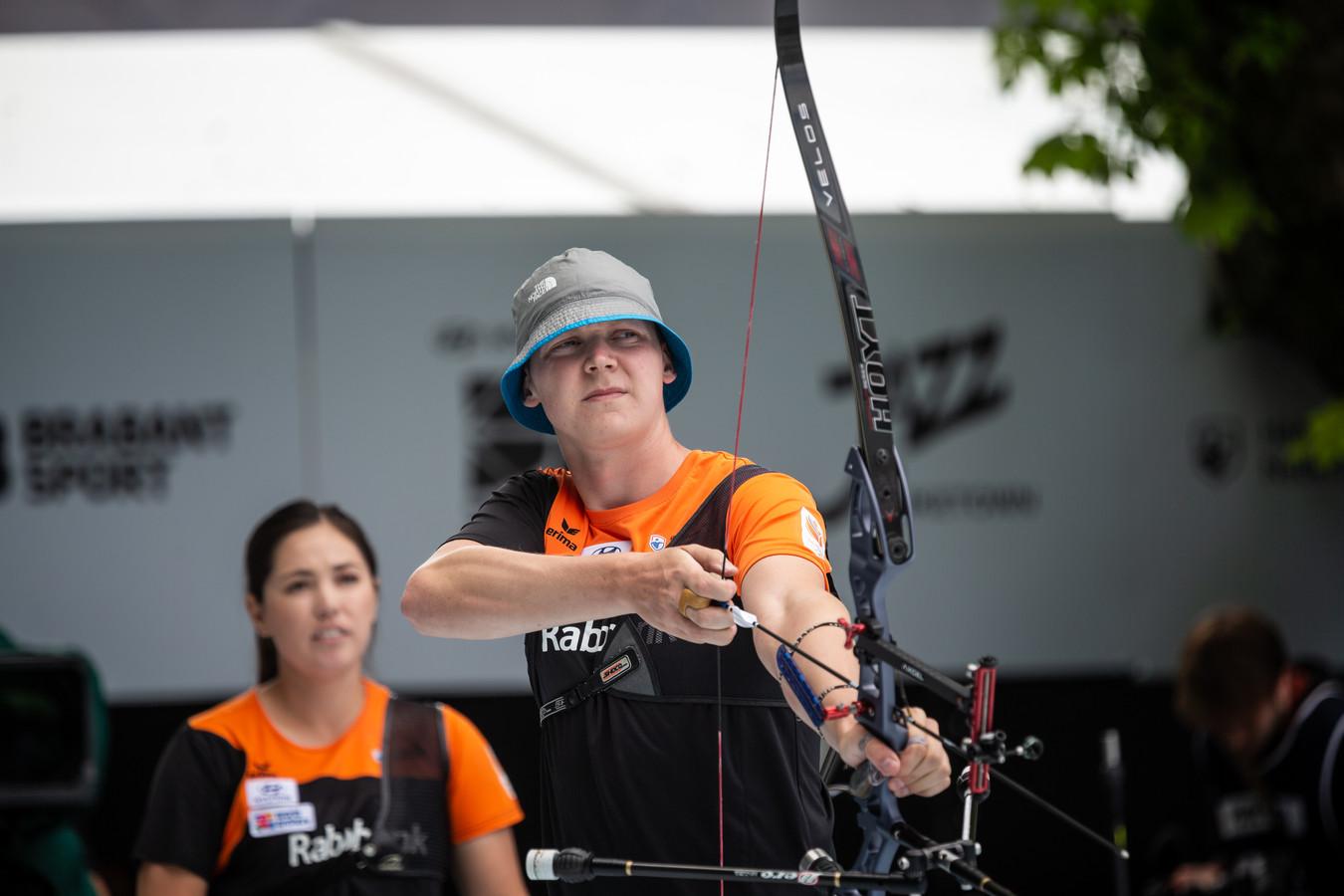 Sjef van den Berg en Gaby Schloesser staan in Parijs in de finale voor mixed teams.