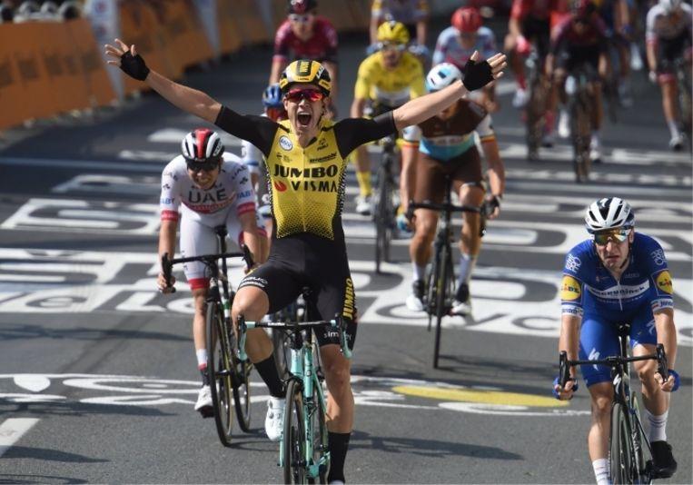 'Eerst zou ik de Tour niet eens rijden, en toen won ik een rit. Ik wist helemaal niet dat zoiets op zo'n korte termijn haalbaar was. Ik dacht: wat gebeurt er hier met mij?' Beeld