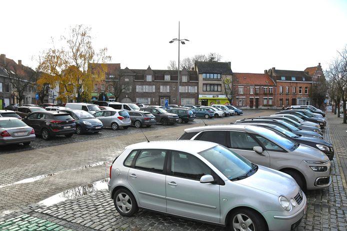 De Steenakker in Wervik staat doorgaans vol geparkeerde auto's.