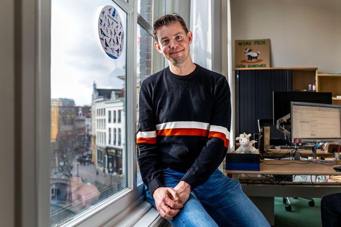Raadslid Maarten van Heuven diende een motie in om de klimaatcrisis uit te roepen