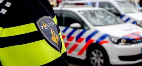 Man probeert op agenten in te rijden bij controle in Wernhout en vlucht daarna naar Antwerpen