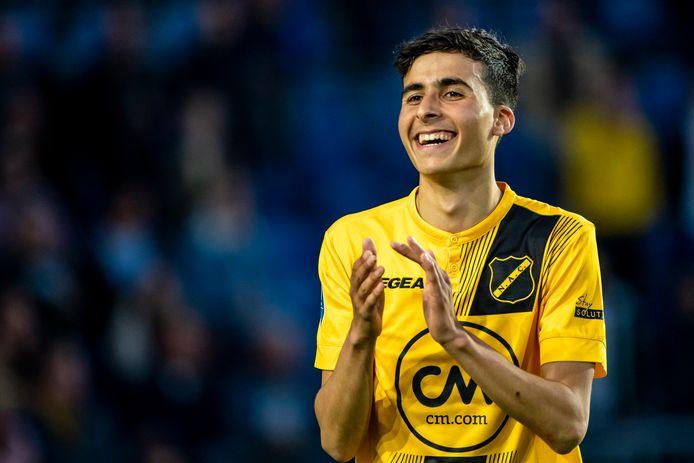 Yassine Azzagari tijdens zijn profdebuut in het slotduel van de eredivisie NAC - PEC Zwolle 15 mei van dit jaar.