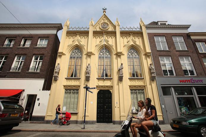 Het Zwanenbroedershuis aan de Hinthamerstraat in Den Bosch