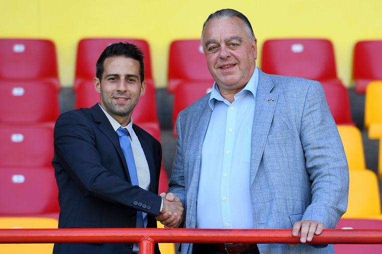 Yannick Ferrera en Johan Timmermans, voorzitter van KV Mechelen. Beeld Photo News