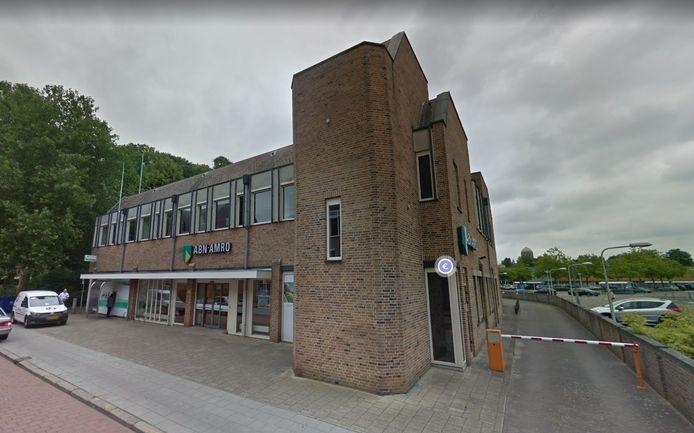 Het bankkantoor van de ABN Amro in de binnenstad van Zutphen. 7 mei sluit het kantoor aan de Martinetsingel de deuren.