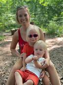 Sofie met haar dochter en zoontje.