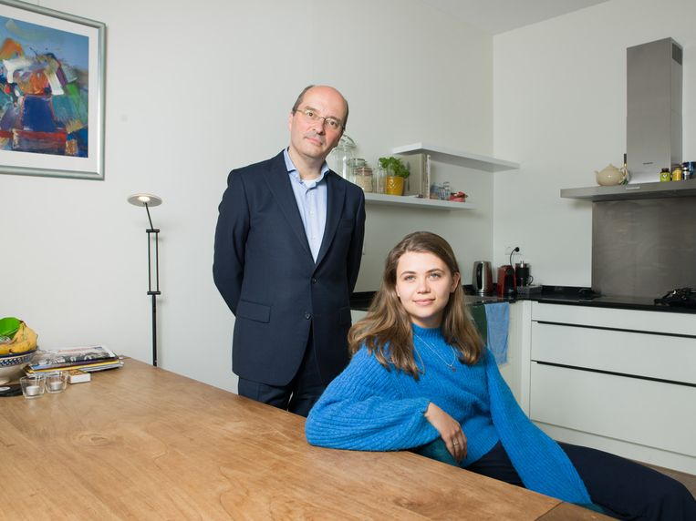 Coen van Galen (49) en peetdochter Inga Broerse (21). Beeld Ivo van der Bent