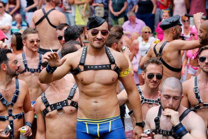 Om overcrowding tegen te gaan gaat de gemeente handhaven op spontane feesten tijdens de Gay Pride.