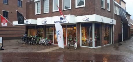 Fietsenzaak in Vriezenveen geeft leverancier 'slechte e-bikes' schuld van faillissement
