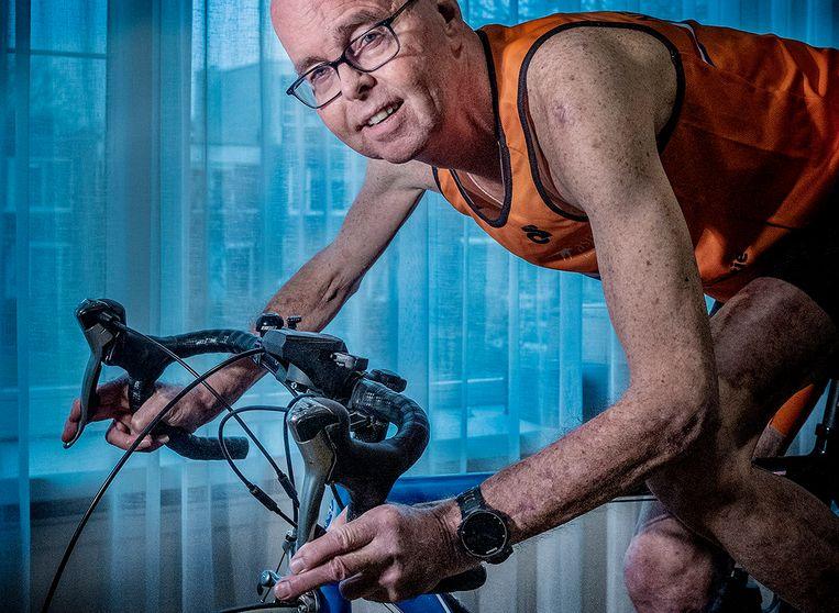 Aris Jan van Ek leeft al 32 jaar met een donornier. Mede dankzij het sporten.  Beeld Patrick Post