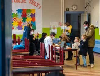 """Na de vijf besmettingen in Edegemse school: """"Als een kind een negatieve test aflegt, is quarantaine afgelopen voor gezin"""""""