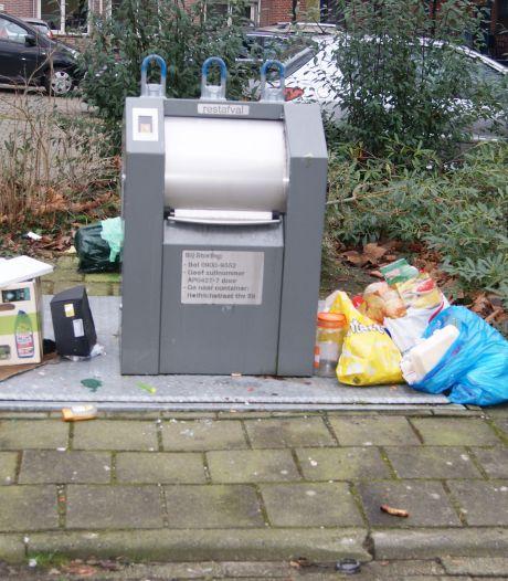 Ondergrondse containers in Apeldoorn zitten steeds vaker klem, klachten afvaldumping nemen toe