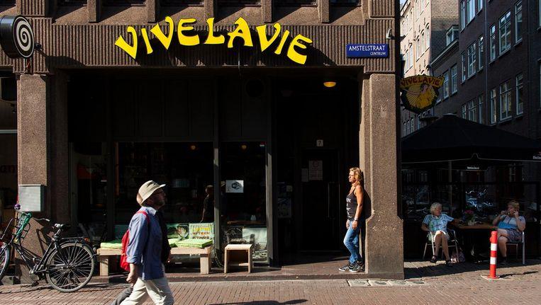 Vrouwencafé Vivelavie aan de Amstelstraat. Beeld Marc Driessen