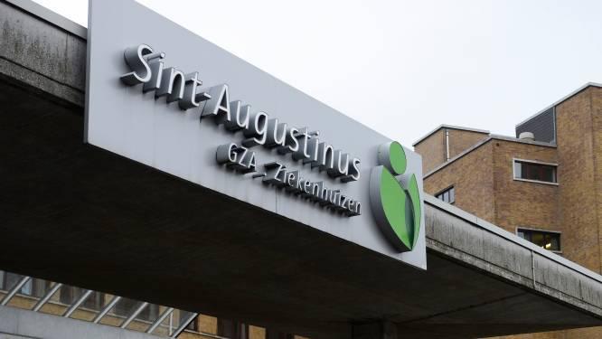 """Patiënt in GZA Sint-Augustinus krijgt als eerste in Europa hoogtechnologisch implantaat tegen evenwichtsstoornissen: """"Nieuwe hoop voor patiënten"""""""
