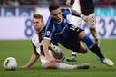 Matthijs de Ligt is na winst in de topper tegen Inter met Juventus koploper in de Serie A.