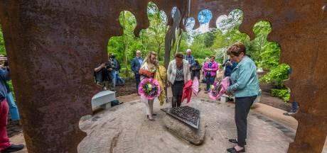 Moluks monument herinnert in Hoge Hexel aan kamp Vossenbosch: 'Dit is een erkenning voor ons'