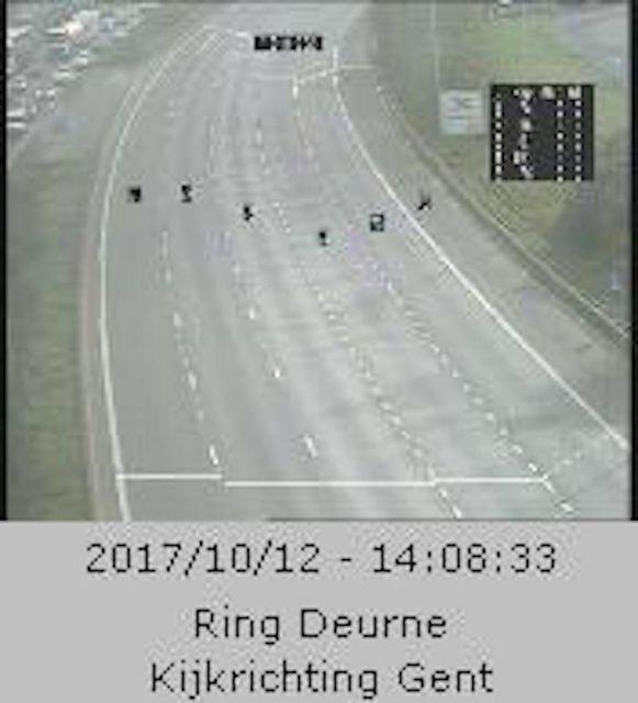 Een lege Antwerpse ring in Deurne, kijkrichting Gent.