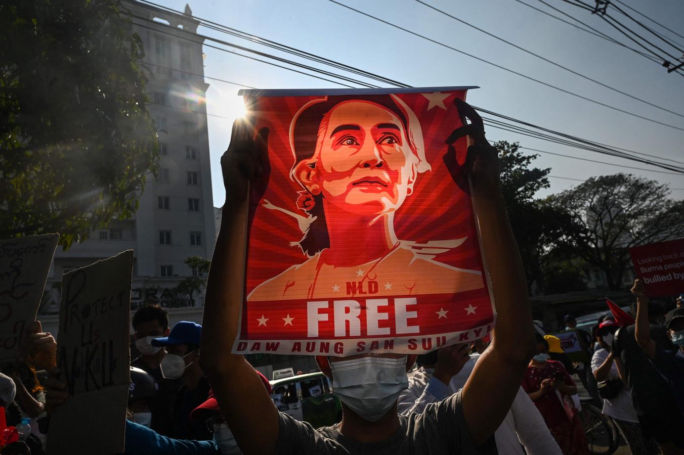 In eigen land is Aung San Suu Kyi nog steeds erg populair.
