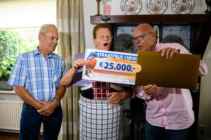 Aart (71) en zijn vrouw wonnen 25.000 euro.
