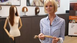 """Kastels bedrijf verovert Nederlandse markt met vrouwenpruiken: """"Vooral succes bij noorderburen"""""""