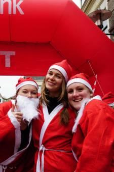 Ho ho ho! Honderden kerstmannen in Woerden tijdens Santa Run
