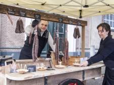 Twentse Worsterij van Markeloër Dennis Hendriksen is succes: worst in mum van tijd uitverkocht