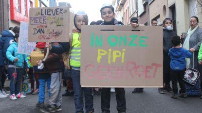 Acties aan acht schoolpoorten voor schonere lucht