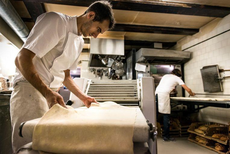 Niemeijer en zijn bakkers maken elke dag het hele assortiment met de hand. Beeld Eva Faché