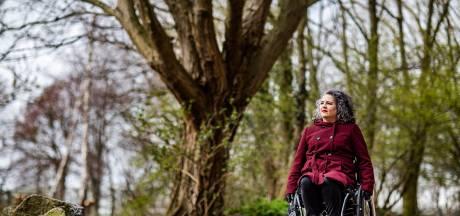 Hoe ga je om met iemand in een rolstoel? Max geeft vijf tips