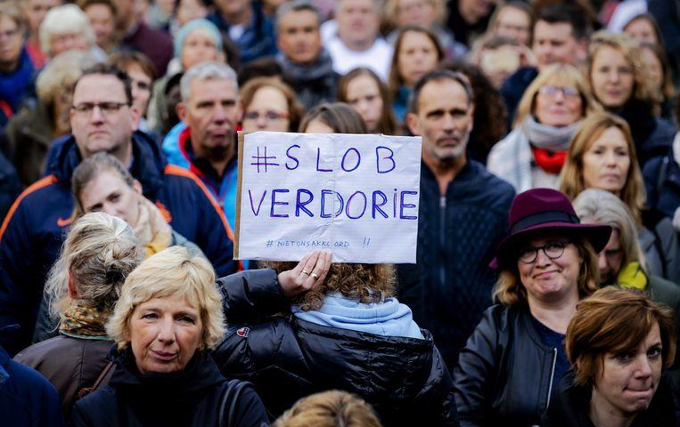 Stakende leraren in Den Haag, woensdag 6 november. Beeld ANP