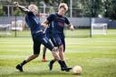 Training van FC Utrecht met nieuwe aanwinst Emil Bergstrom (m)