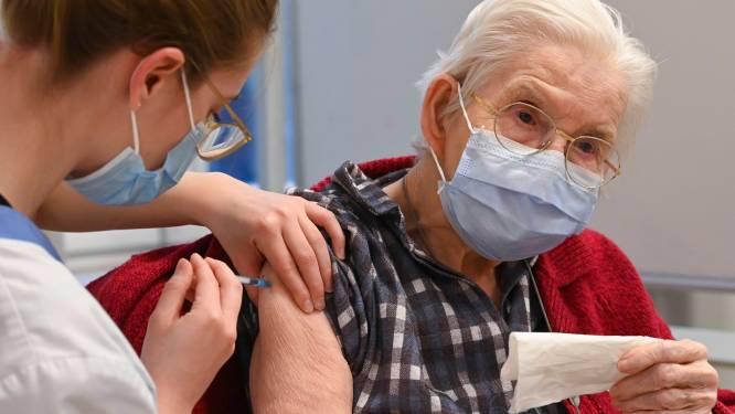 """Vaccinatiecentrum Hoge Wal: """"Eind volgende week hebben alle 70-plussers eerste prik gekregen"""""""