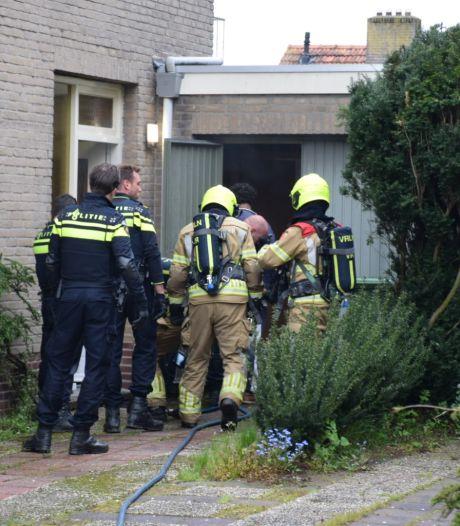 Verwarde man sticht brand in eigen huis in Mook en wordt aangehouden