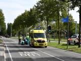 Fietsster gewond naar ziekenhuis na aanrijding met auto in Etten-Leur
