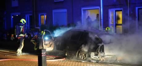 Weer autobrand in Gouda
