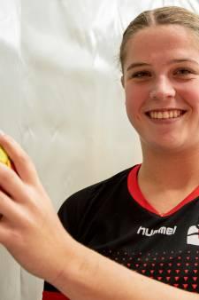 Verrassing voor handbalster Uitslag: last minute tóch met Kwiek uit Raalte naar eredivisie