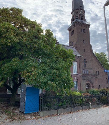 Omwonenden Korvelplein opnieuw in actie voor bescherming van boom, 'Bal ligt bij gemeente Tilburg'