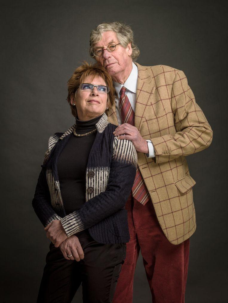 Peter van Straaten, die in 2016 op 81-jarige leeftijd overleed en hier te zien is met echtgenote Els Timmerman, tekende meer dan vijftig jaar hoe wij in Nederland met elkaar omgaan. Zijn getekende nalatenschap is met steun van de Vereniging Rembrandt aangekocht door het Allard Pierson. In december 2021, vijf jaar na het overlijden van Van Straaten, organiseert het museum een overzichtstentoonstelling. Beeld Koos Breukel