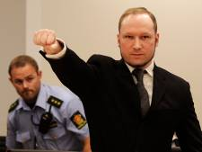 """""""De ma faute?"""": l'auto-procès du père de Breivik"""