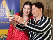 Fleur uit Hengelo Young Ambassador van Lions door haar inzet voor Roemeense weeskinderen