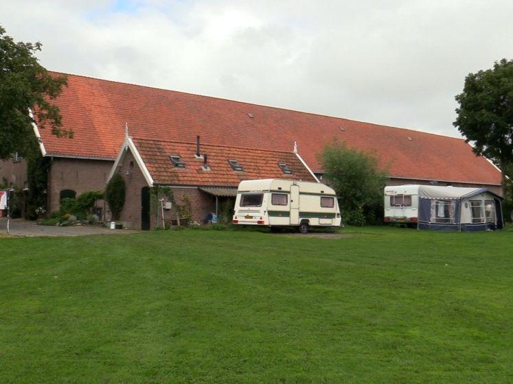 Boerin Sentine heeft een camping op de boerderij