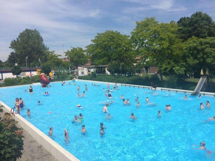 Zwembad Schoonenburg in Nieuw-Lekkerland.